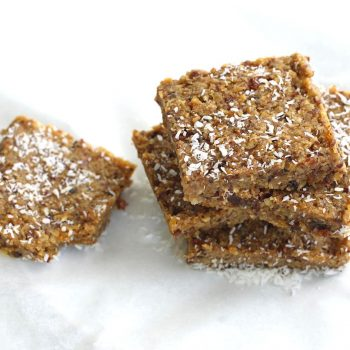 Cereal bars with dried fruits