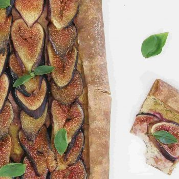 Fig savoury tart with vegan cream cheese