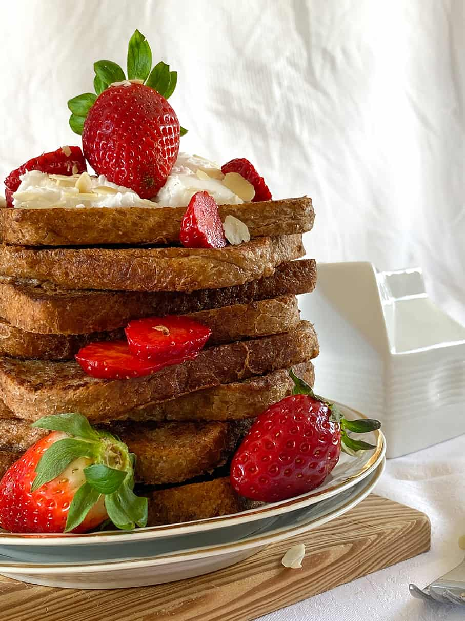 The-best-Vegan-french-toast-9 recipes-breakfast